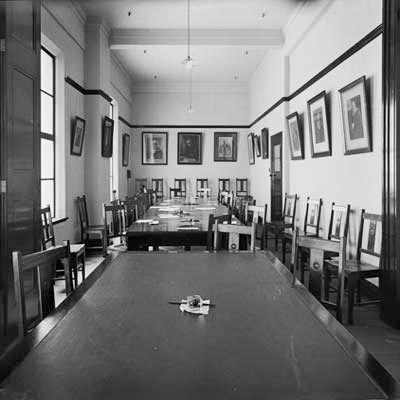 Photo of Committee Room in Parliament House - black and white